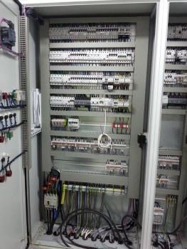 wykonczenia budowlane i instalacje elektryczne 44
